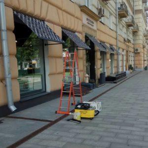 чистка уличных козырьков.Маркизов